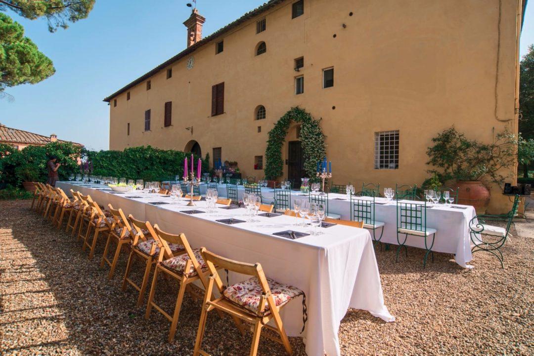 tavolo-pranzo-toscana-villa-corsano