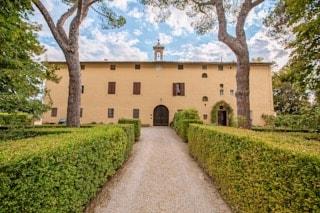 Villa-corsano-siepe-toscana