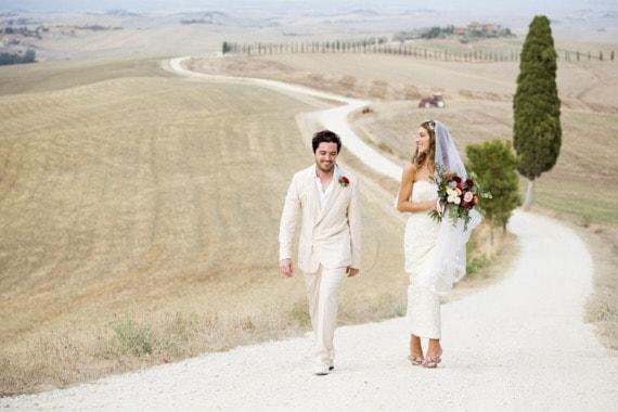 Villa-Corsano-Wedding-sposi-cipressi-toscana